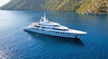 Luxury-Yacht-Charter